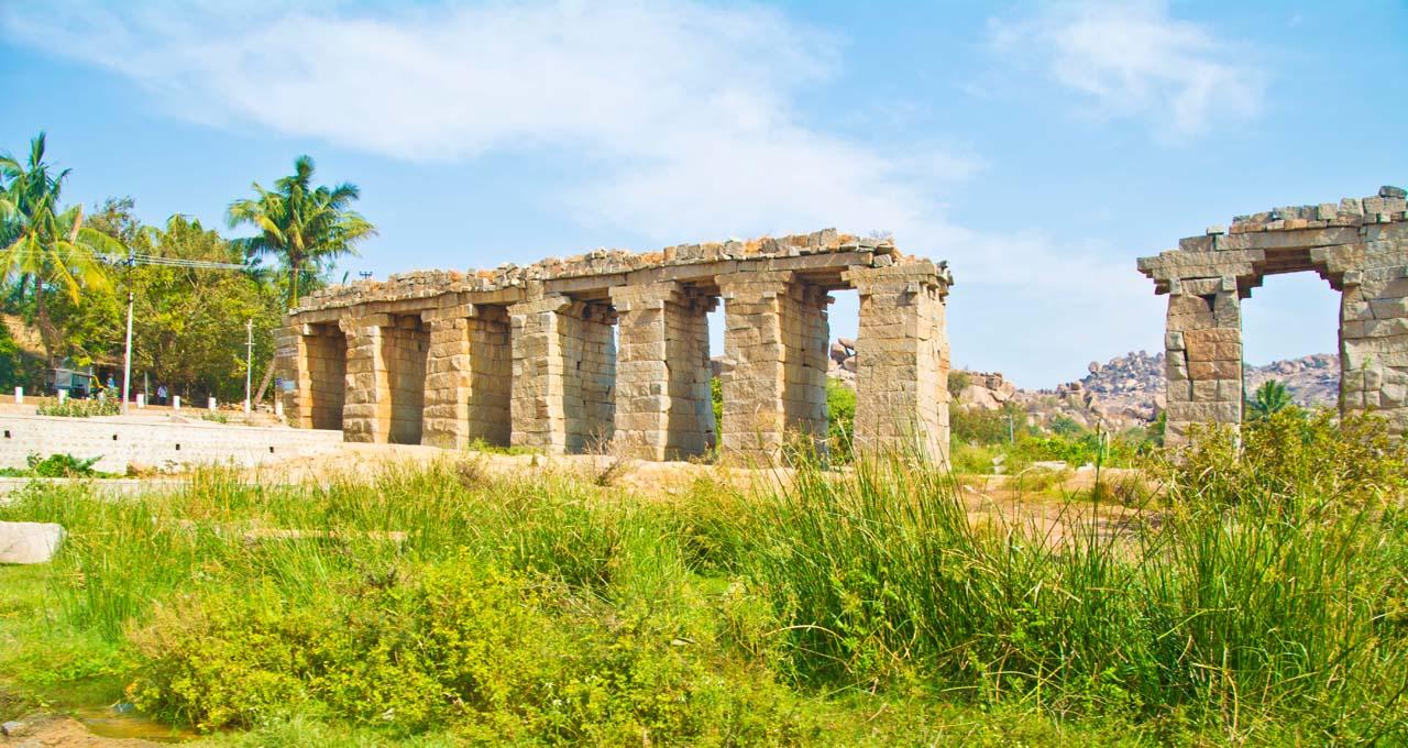 water bridge hampi village