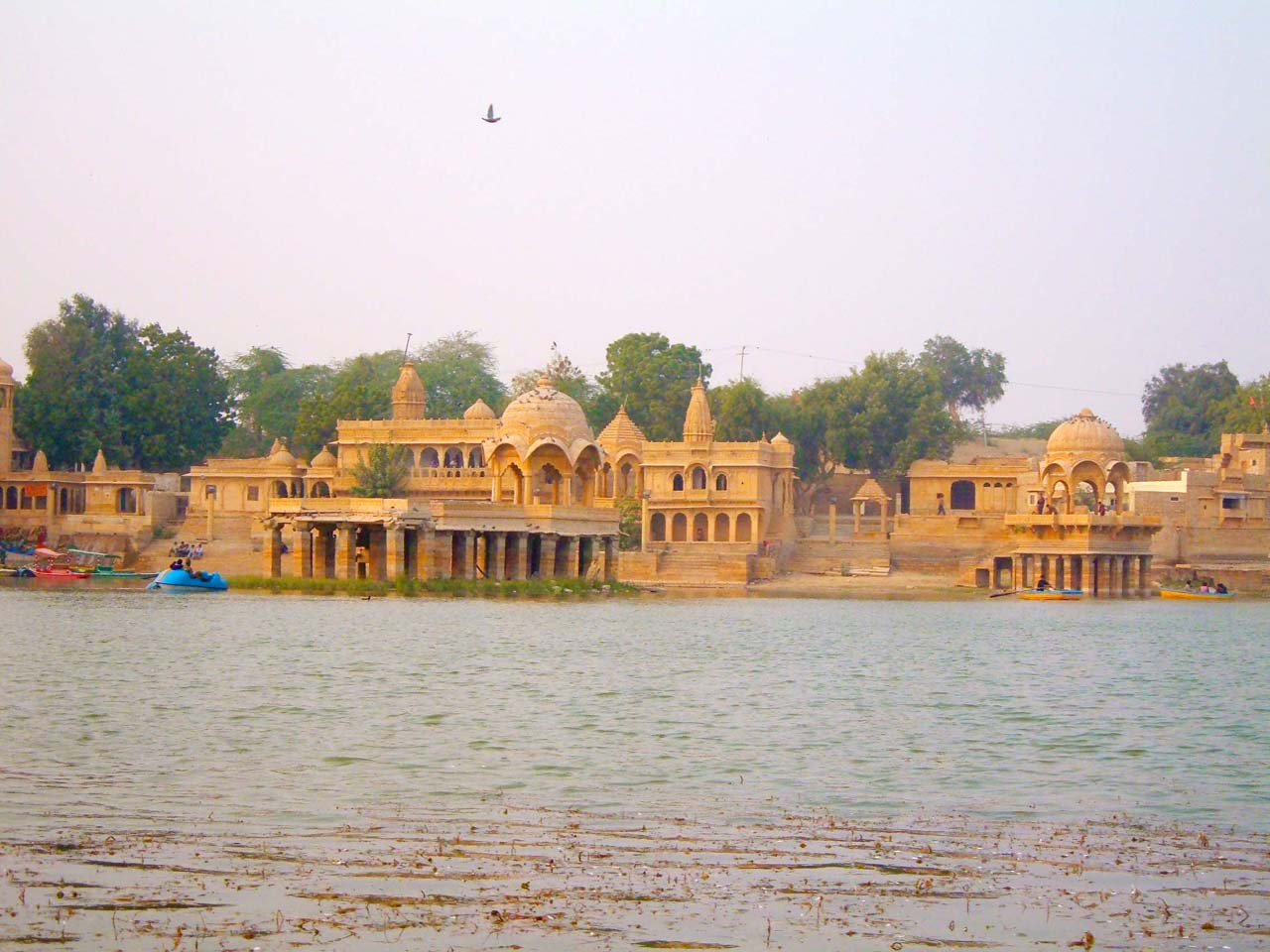 Temples Gadisar Lake - Jaisalmer's places to visit
