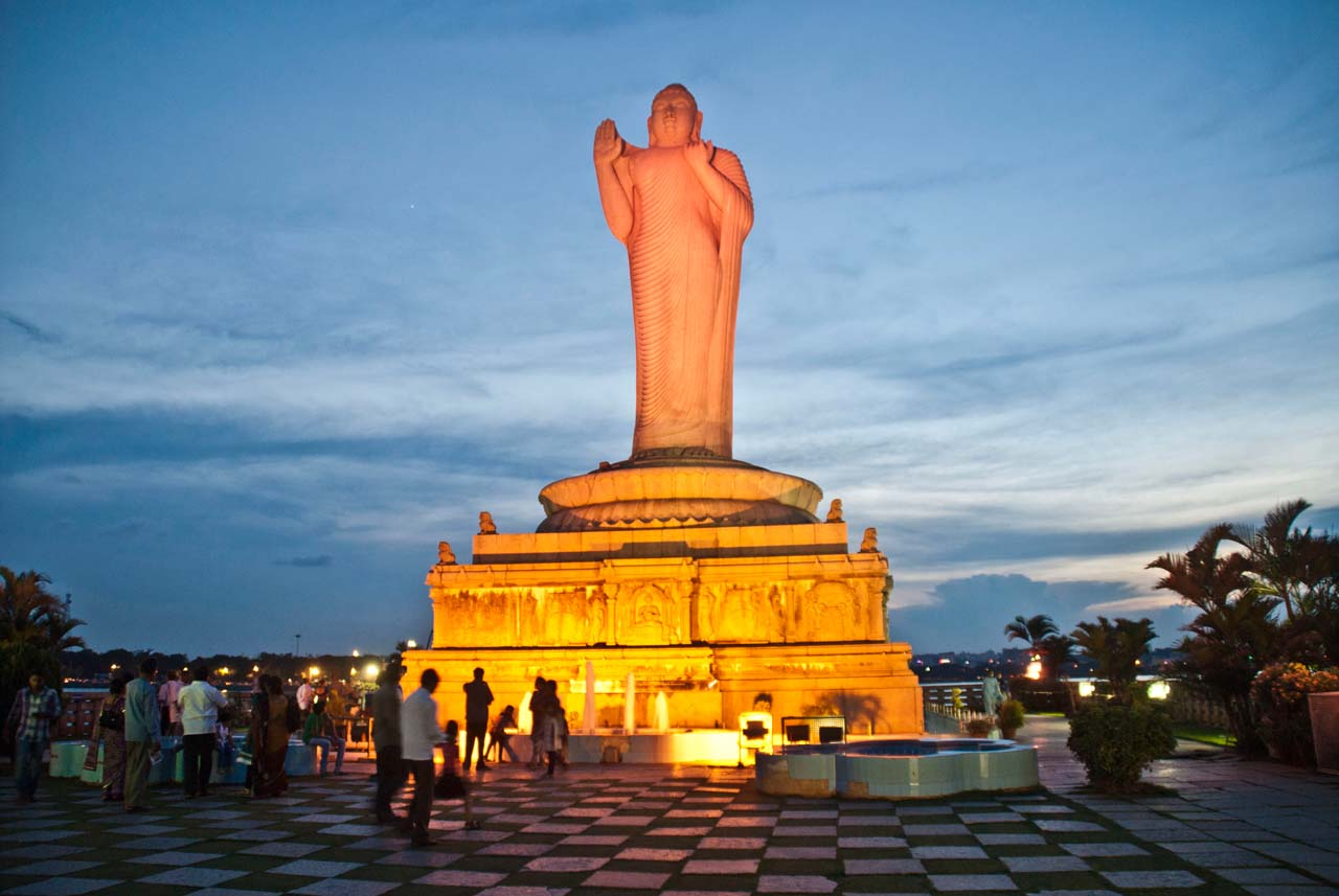 Things to do in Hyderabad India Hussain sagar buddha statue
