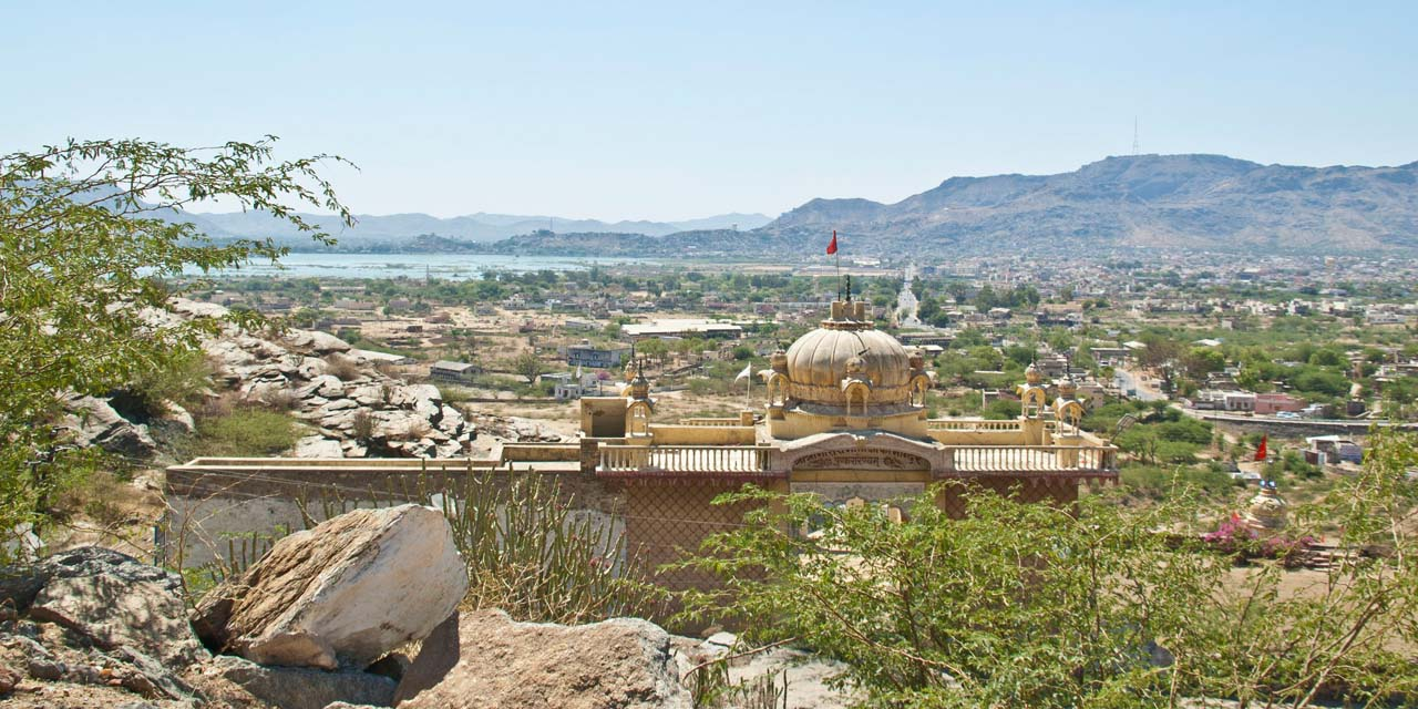 Ajmer and Pushkar road