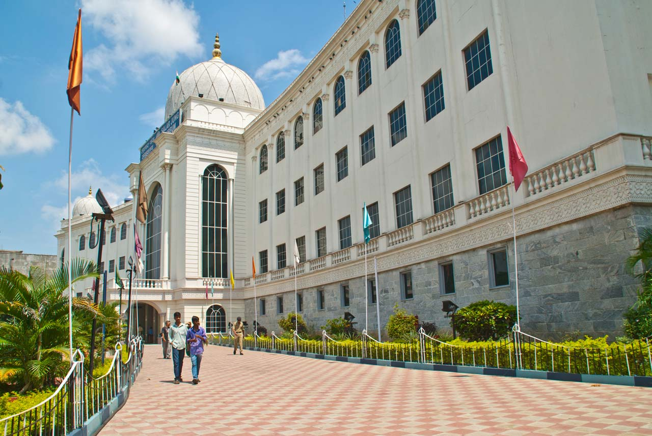 Things to do in Hyderabad India Salarjung museum