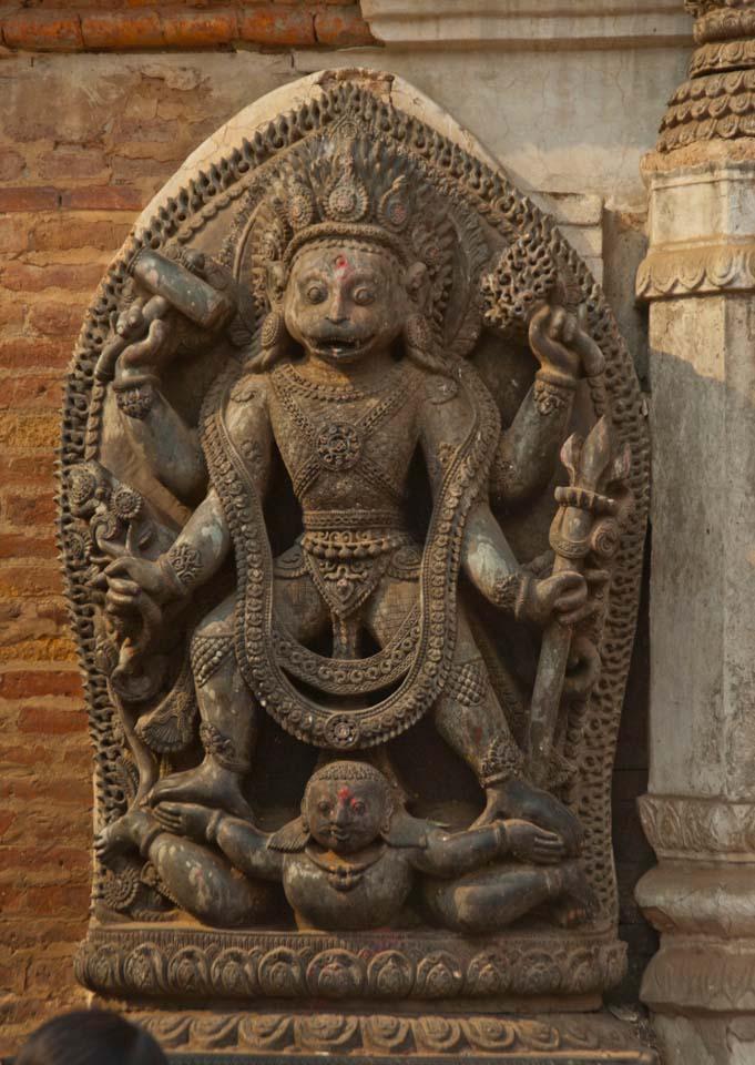 Bhaktapur Durbar Square statue