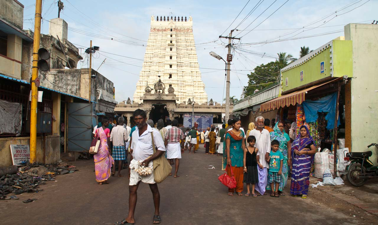 Market outside Ramanathaswamy temple