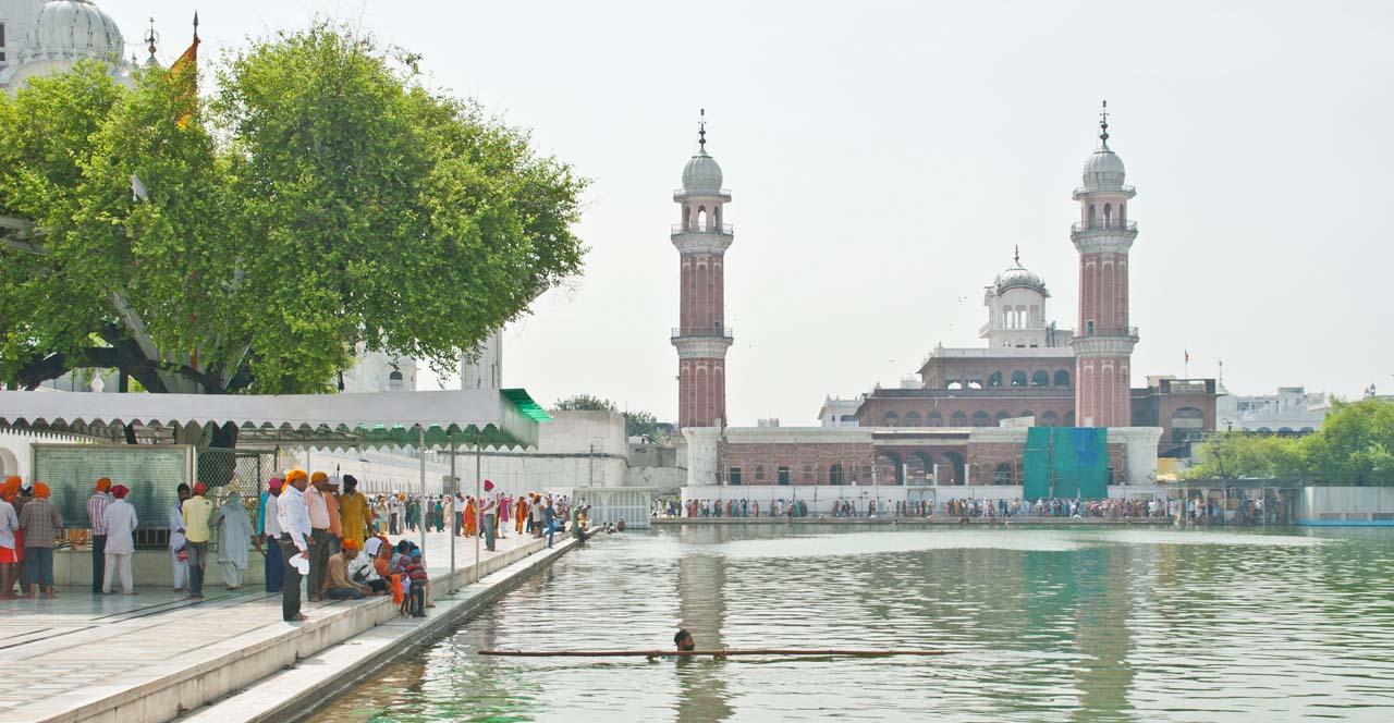 Golden Temple Amritsar Dukh Bhanjani beri