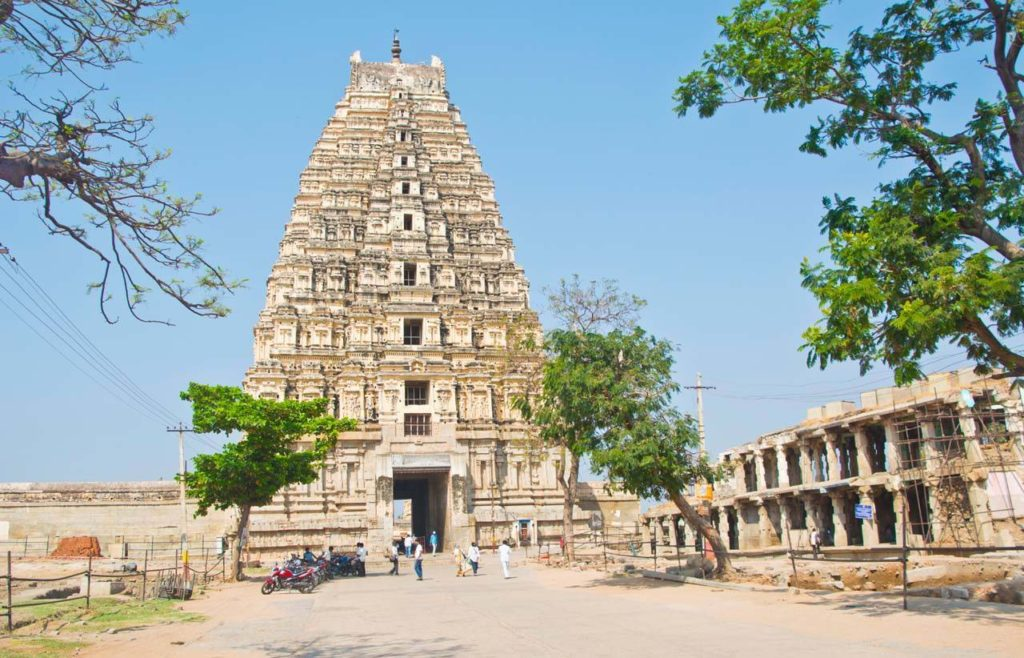 Virupaksha temple in Hampi