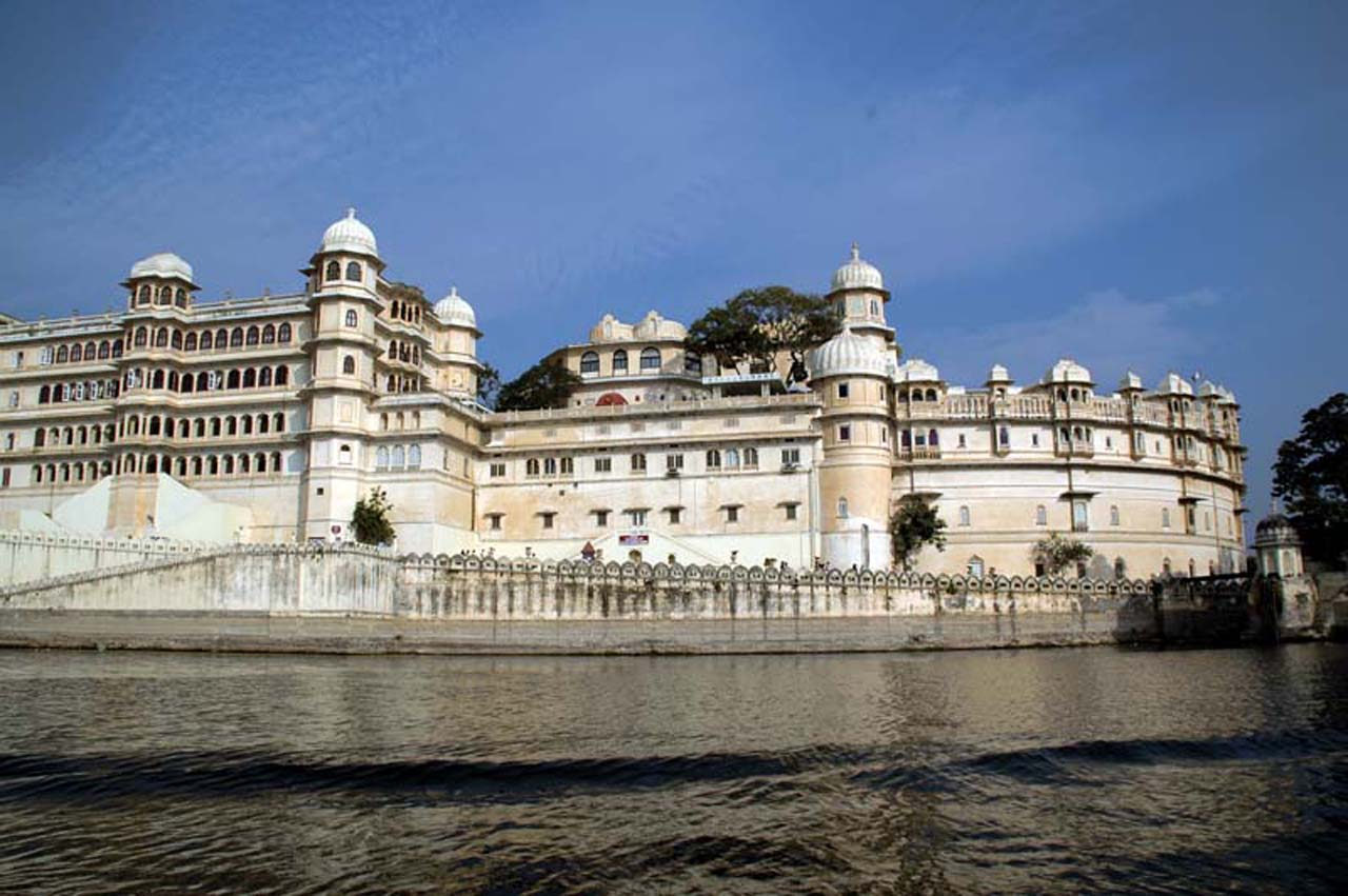 City palace overview from lake pichola Udaipur
