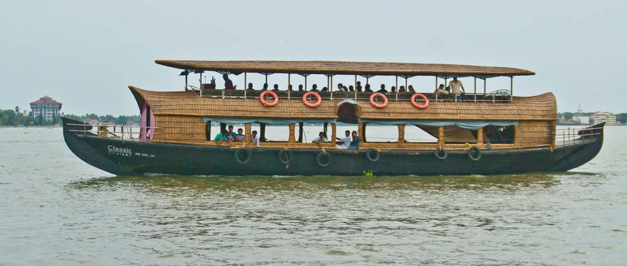 Cruise in Backwaters of Kochi