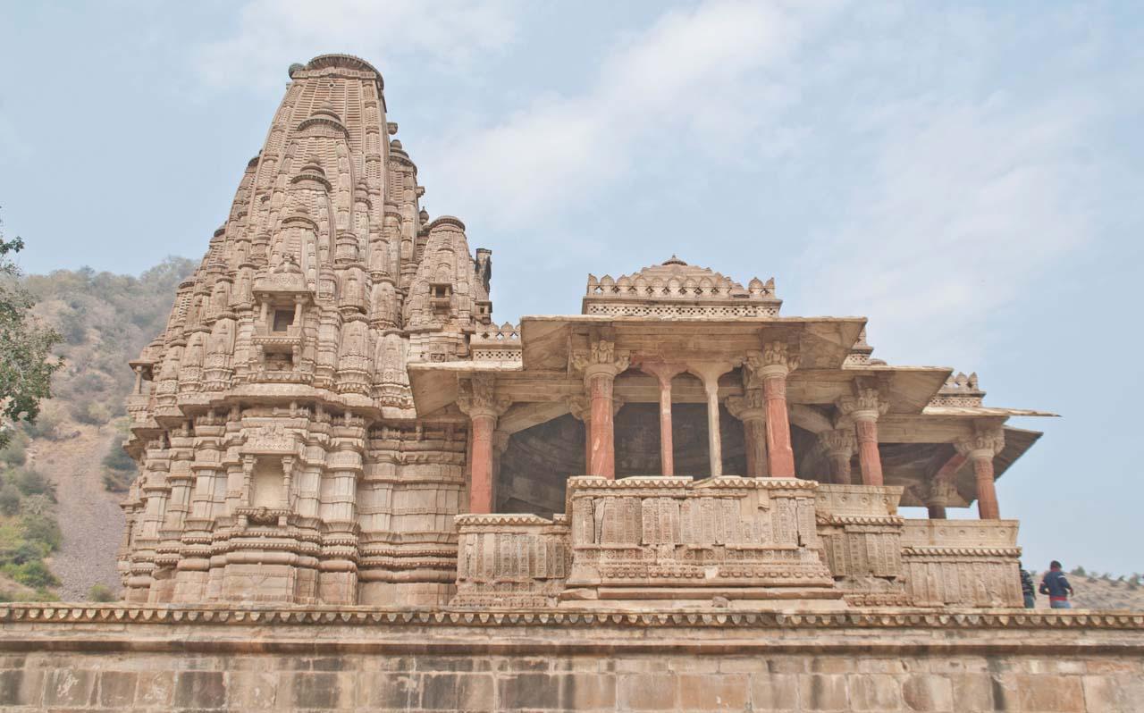 Bhangarh fort Someshwar temple