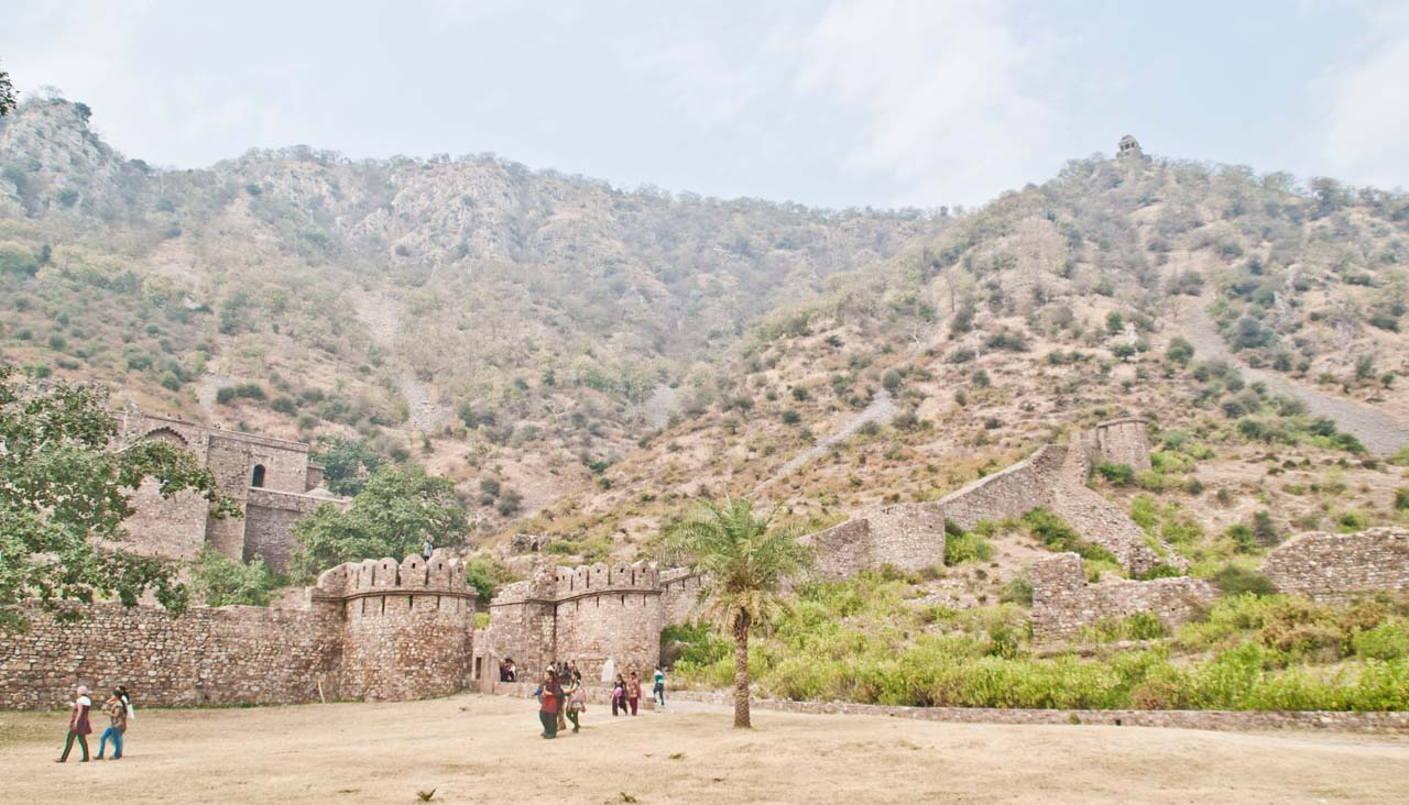 Bhangarh fort overview
