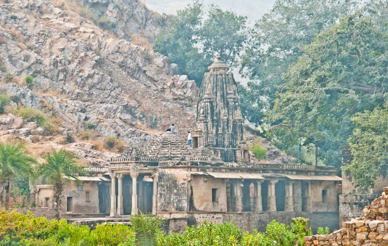 Bhangarh fort temples