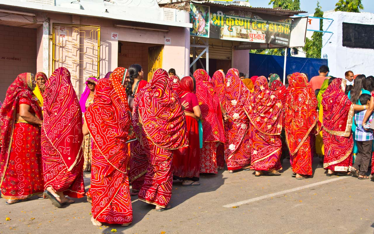Pushkar camel fair ladies in same dress
