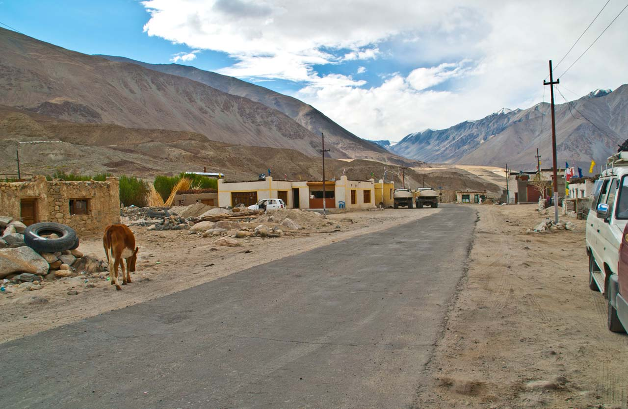 Drive from Leh to Pangong Lake