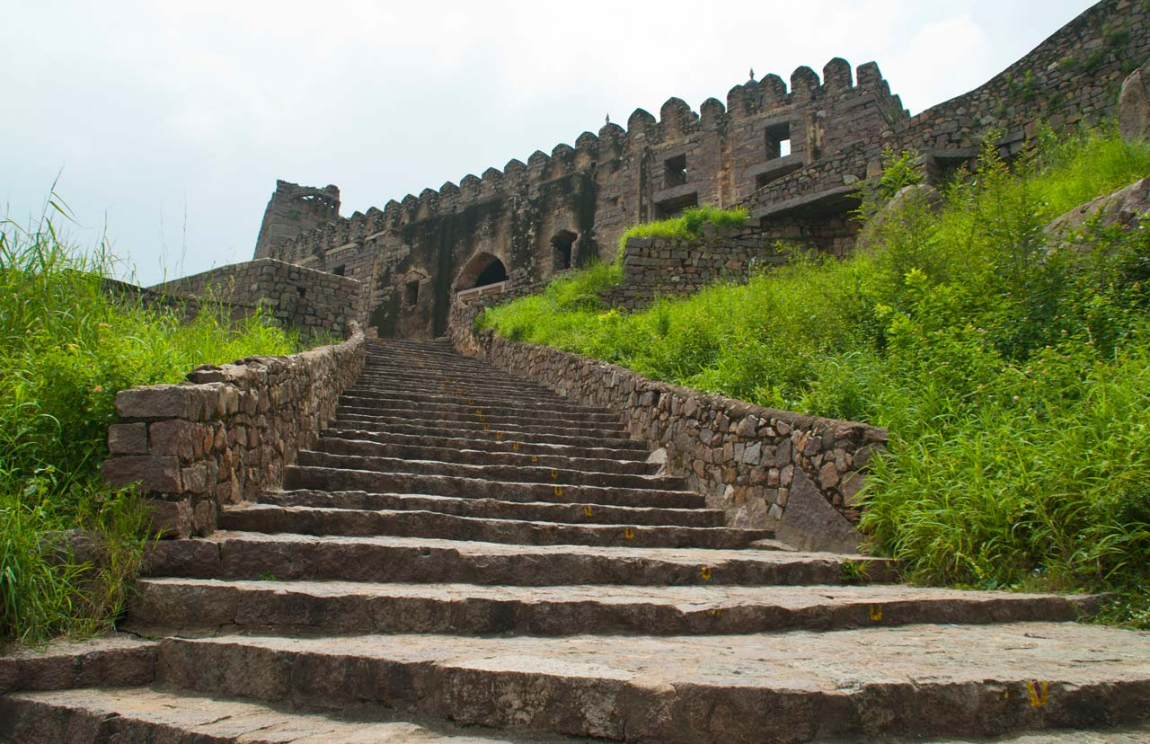 Golconda Fort Hyderabad – Treasure of India