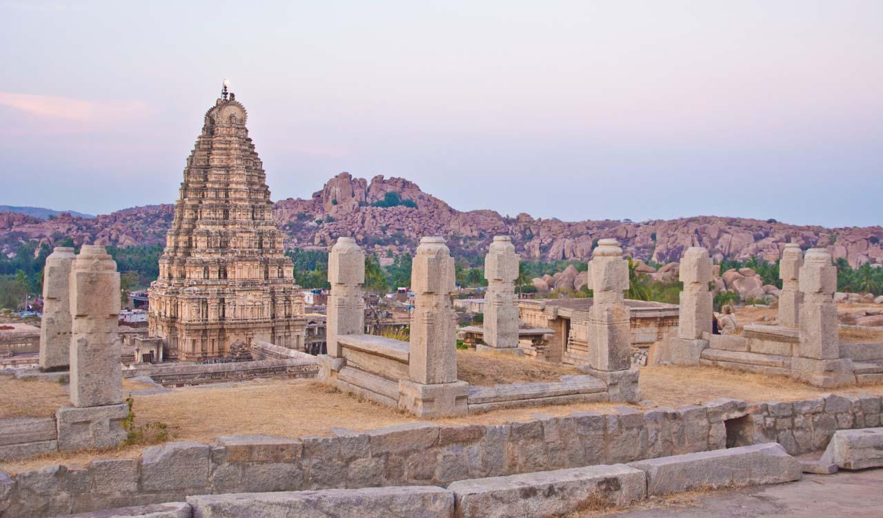 View fromHemkunta hill near Virupaksha temple