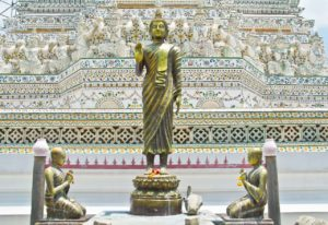 Buddha statue in Wat arun temple compound