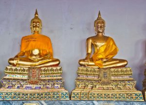 Wat pho compound buddha statues