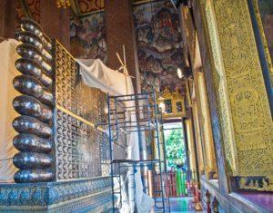 Wat pho reclining buddha feet