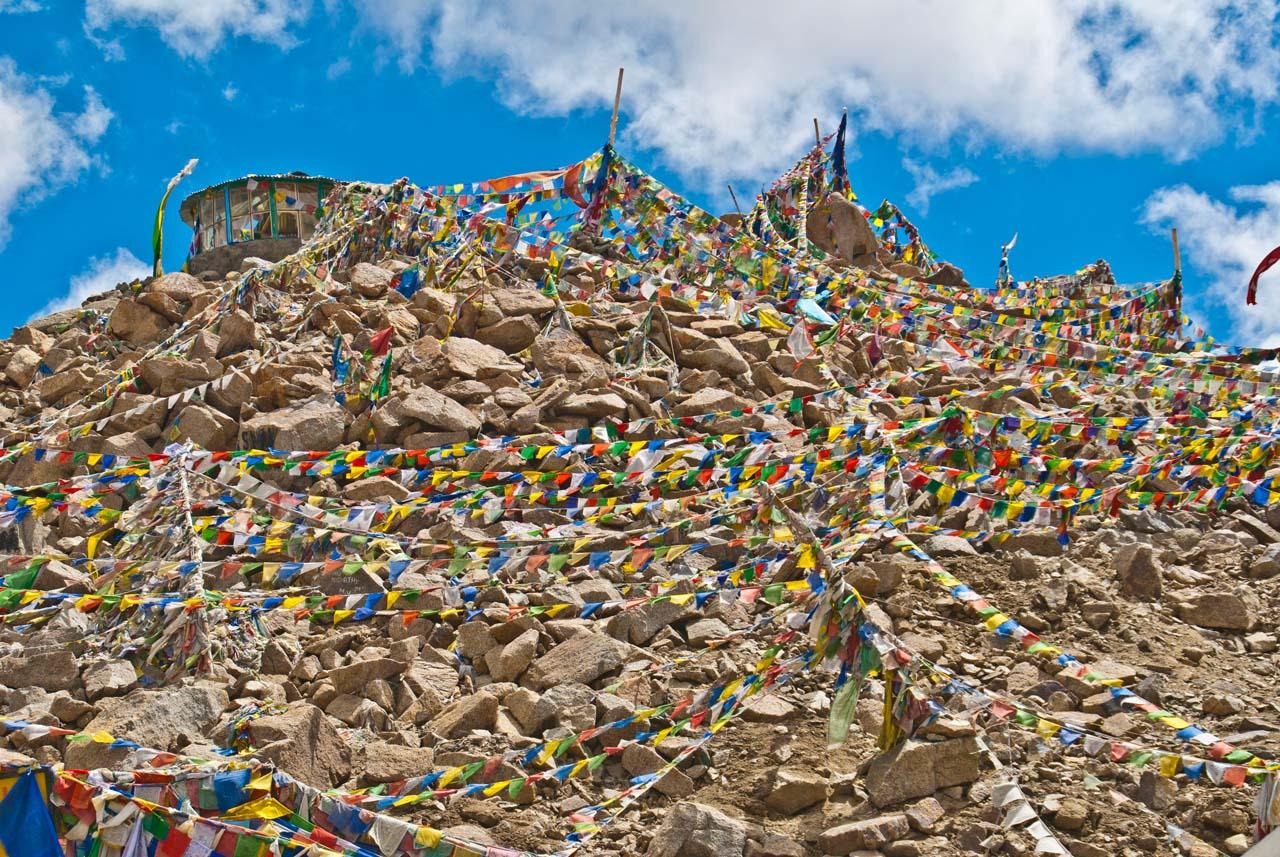 Leh to nubra valley via khardung la preyar flags