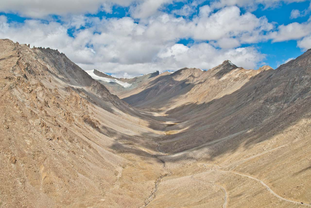 On the way to Khardungla pass from Leh
