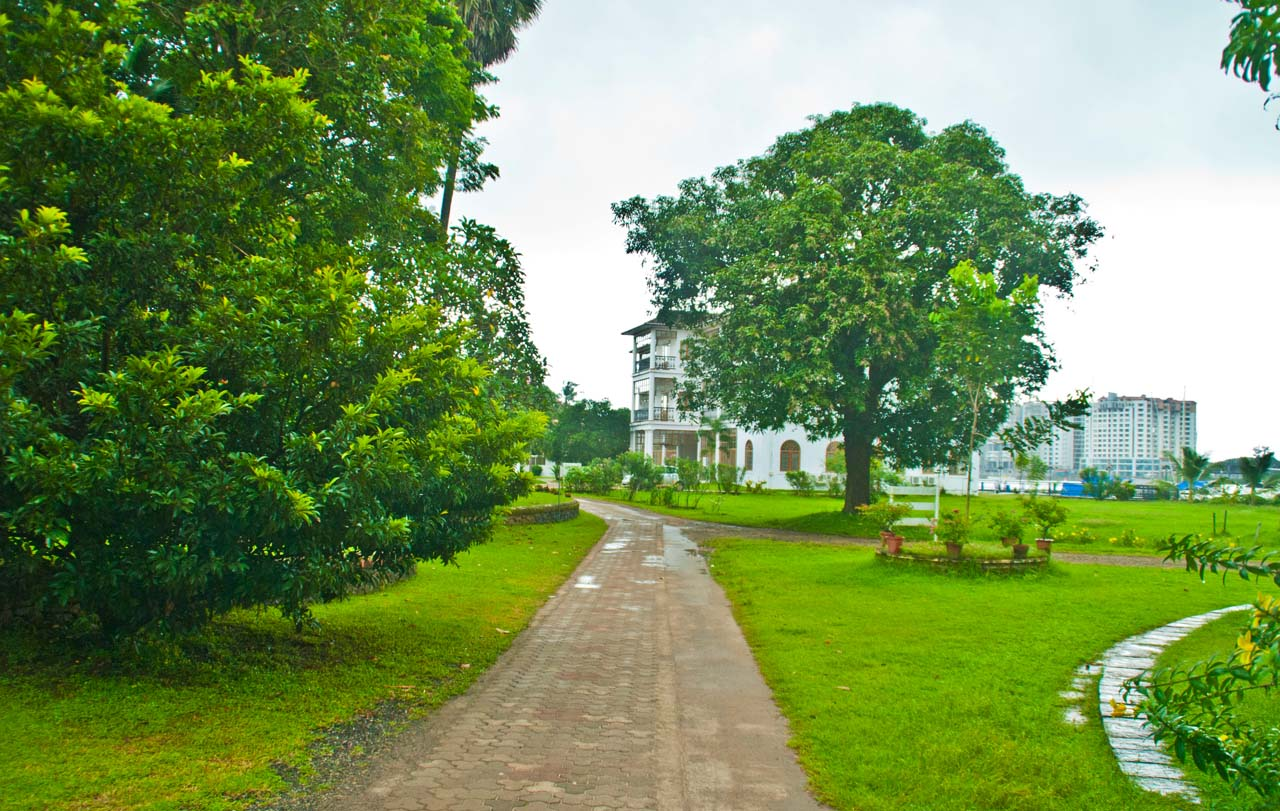 Walking area Bolgatty Palace and Island Resort
