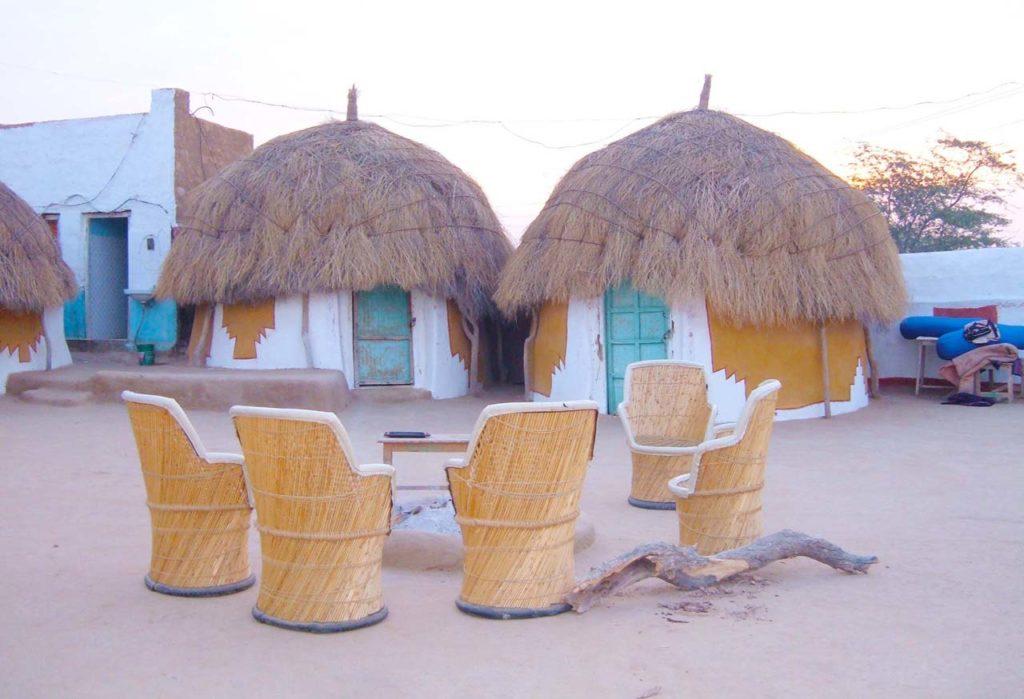 Huts in Khuri Jaisalmer