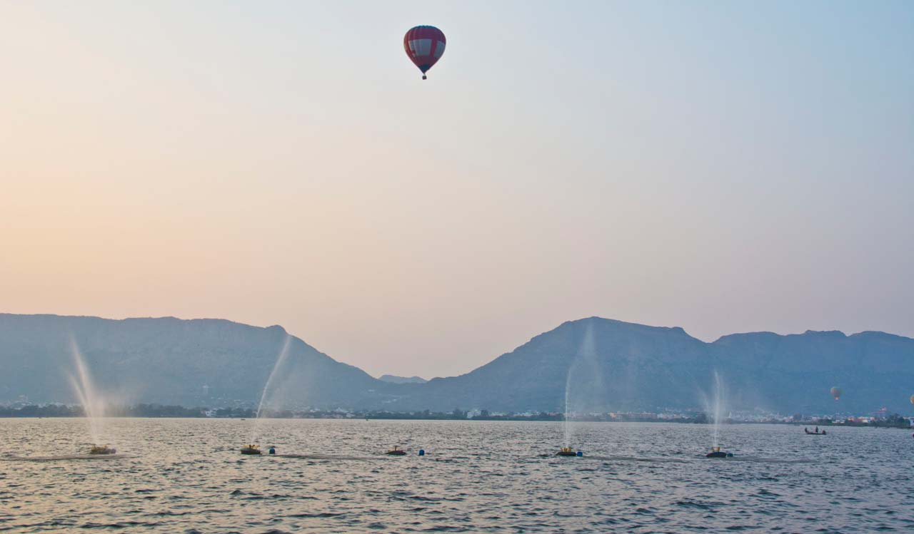 Anasagar Lake Ballon