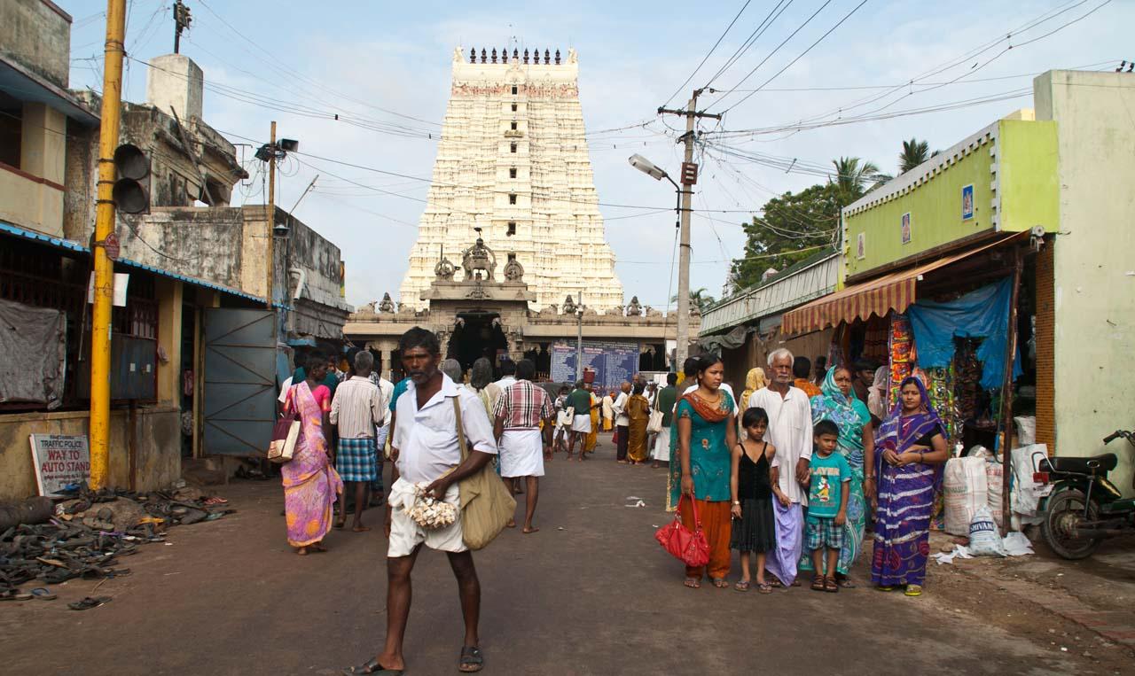 Market outside Ramanathaswamy temple
