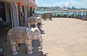 Vivekanand rock way to boat Kanyakumari