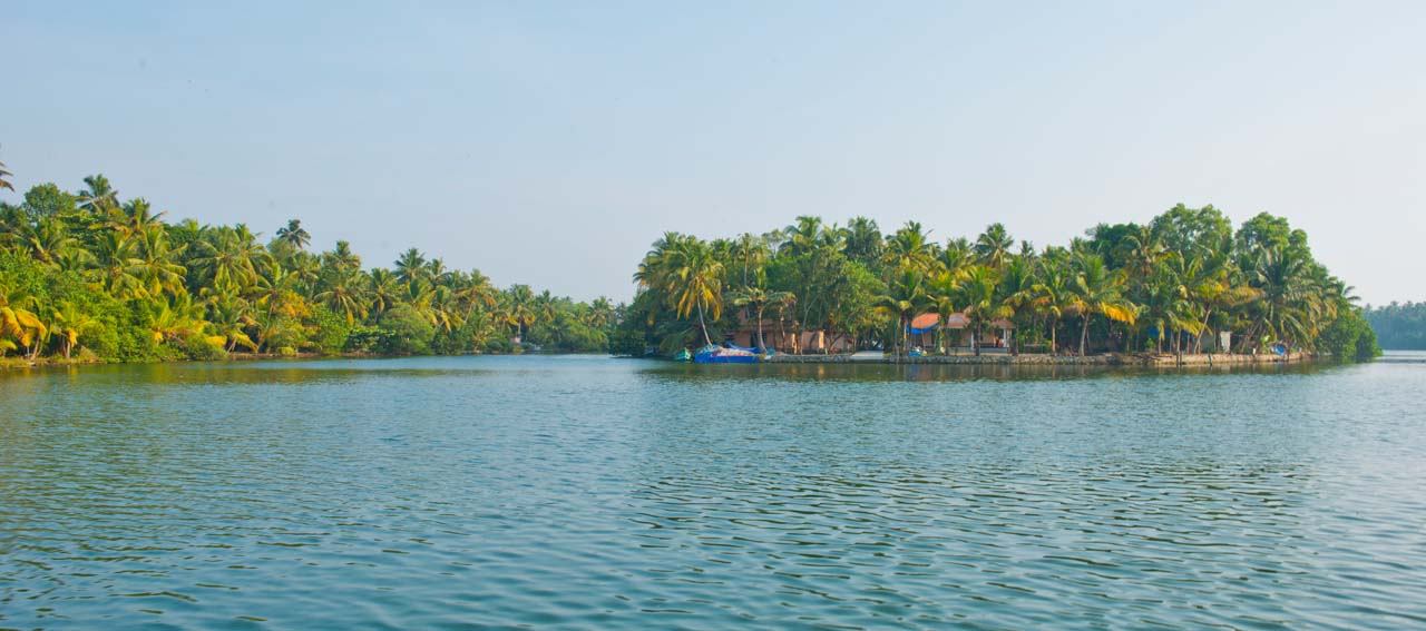 Alleppey to Kollam in Tourist Boat – An Off The Beaten Path