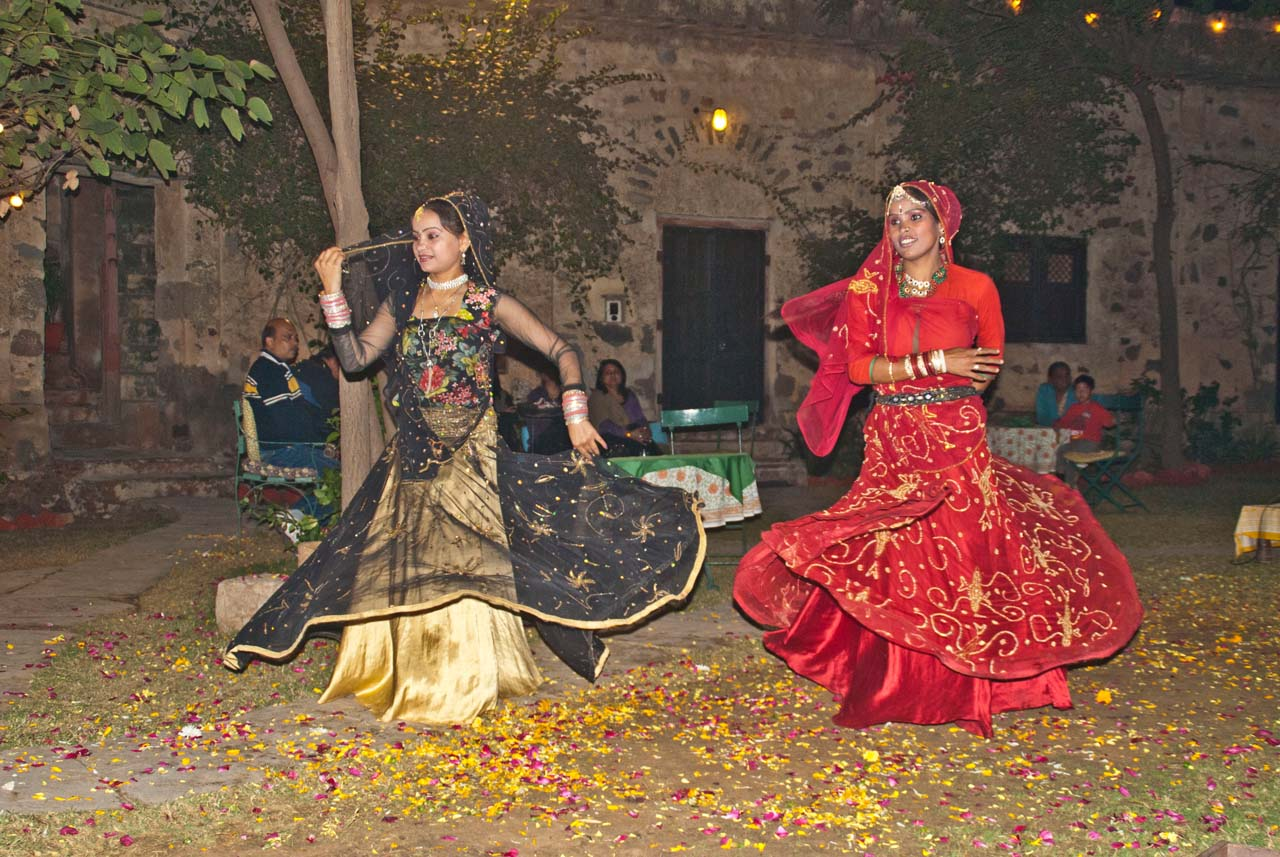 Dancers in Hill Fort Kesroli_3