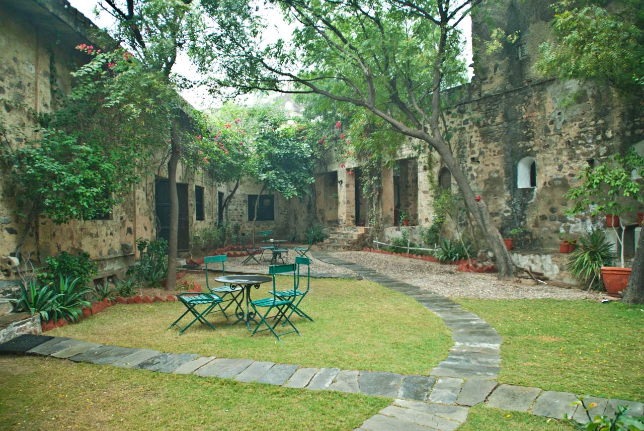 Sitting area in Hill Fort Kesroli