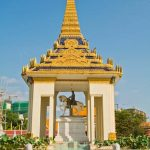 Statue of King in Silver Pagoda
