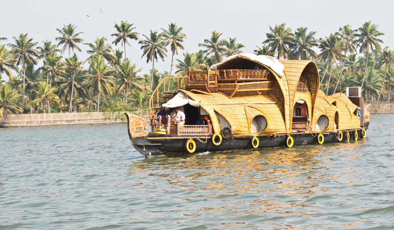 House Boat in alleppey Backwater