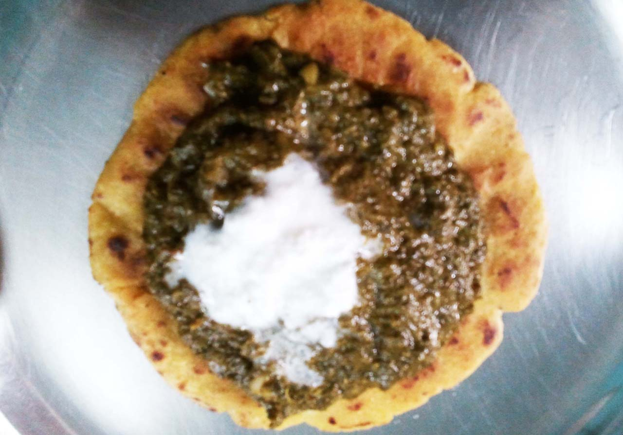 Makki ki roti and saag