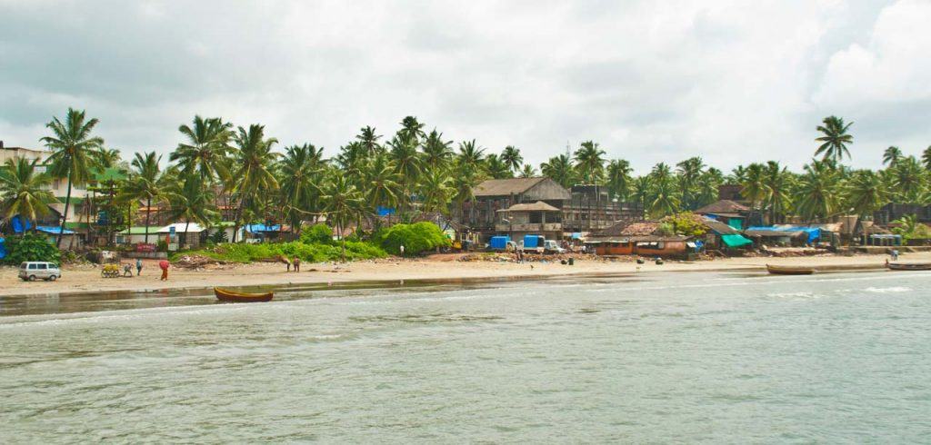 Visiting Beaches in Malvan & things to do in Malvan
