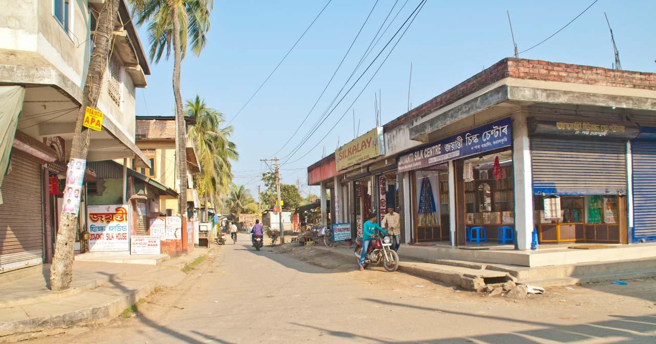 Market in Sualkuchi Assam