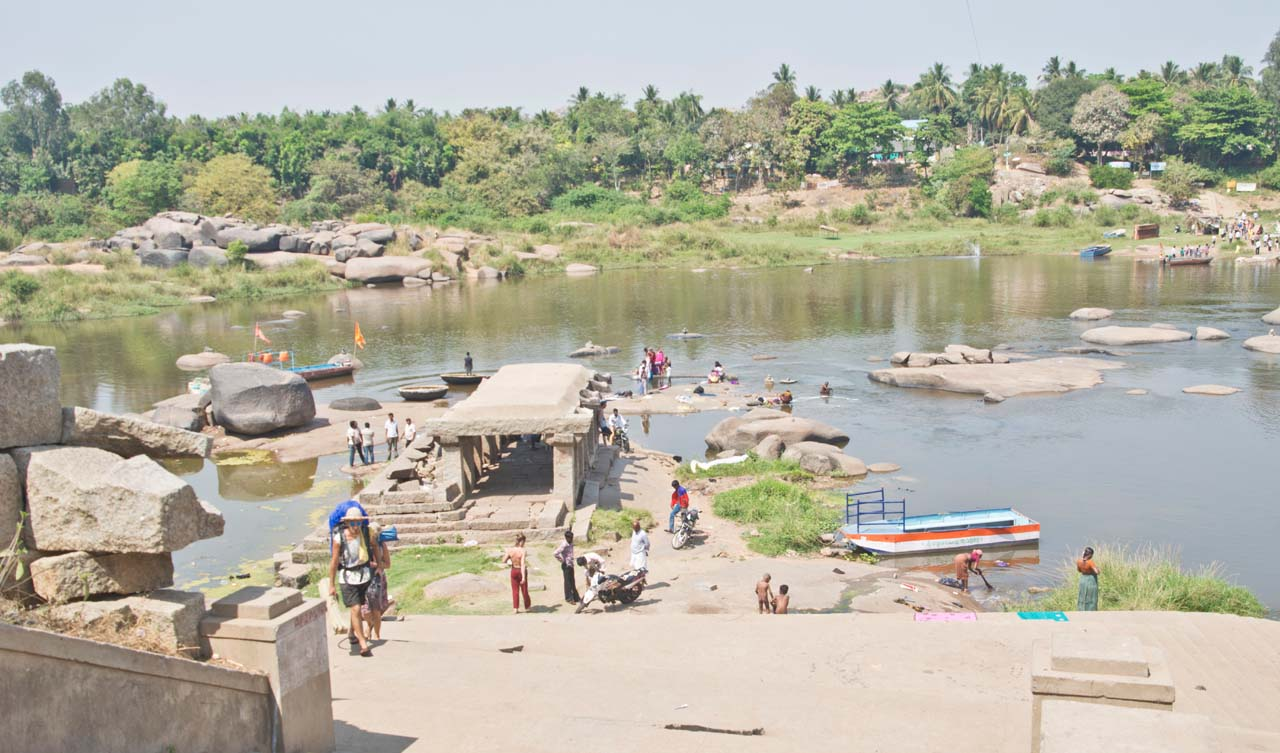 Boat crossing from Hampi to Hippie Island