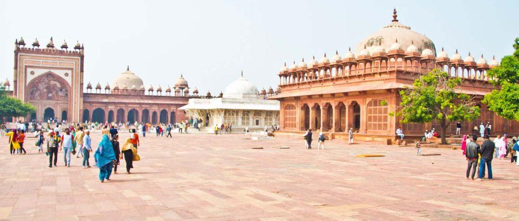 Delhi to Fatehpur Sikri, History of Fatehpur Sikri, Places to visit in Fatehpur Sikri #Incredibleindia #fatehpursikri #agra #Fort #travel #uttarpradesh #travelguide #india