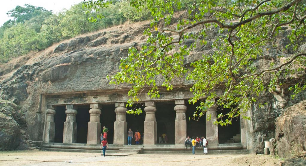 Elephanta Caves Mumbai - Entry fee, Timing, History & Travel Tips #elephantacaves #elephantaisland #mumbai #travel #india