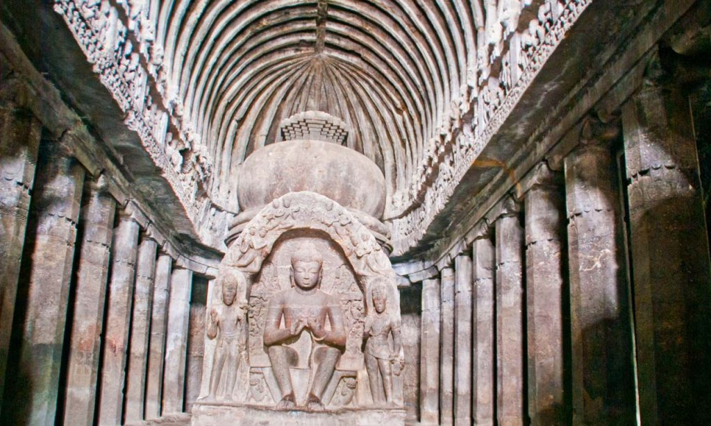 A trip to Ellora Caves from Aurangabad and travel tips #elloracaves #aurangabad #maharastra #traveltips #UNESCOsite #sculptures #incredibleindia
